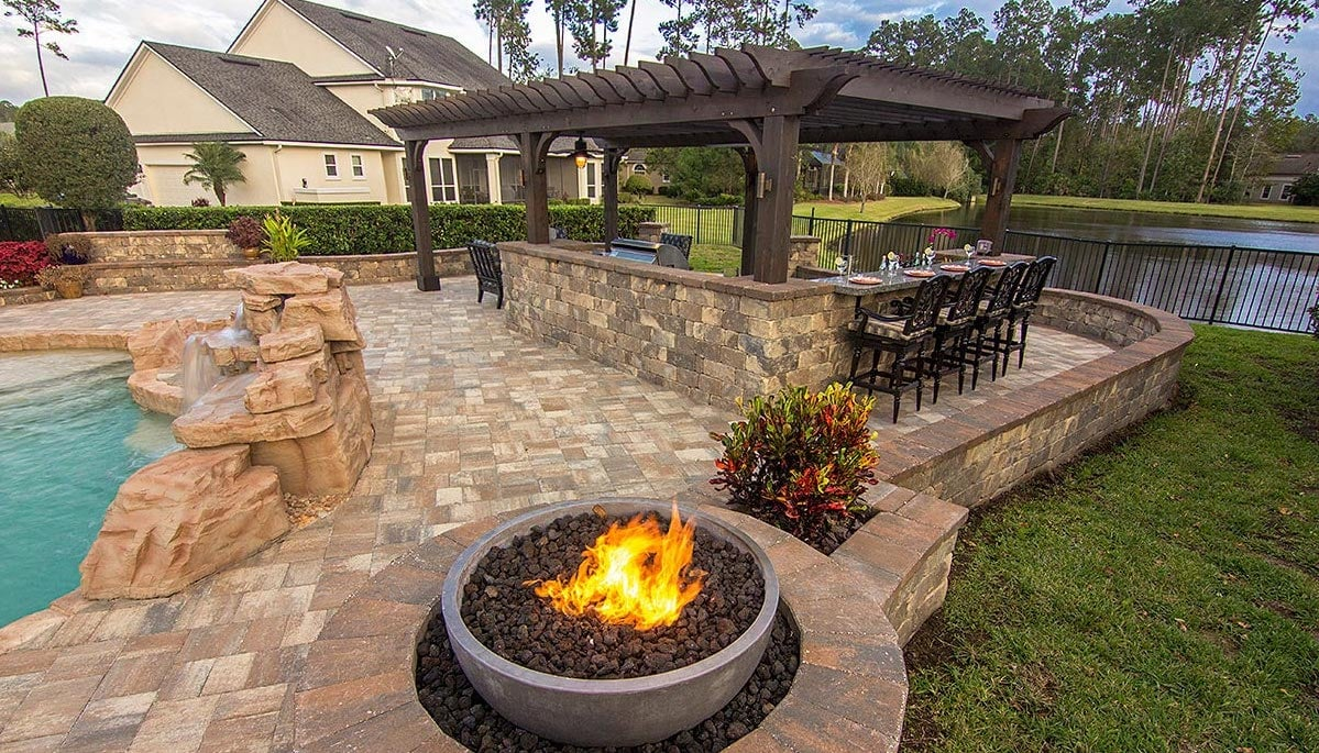 Outdoor Kitchen Patio Pavers